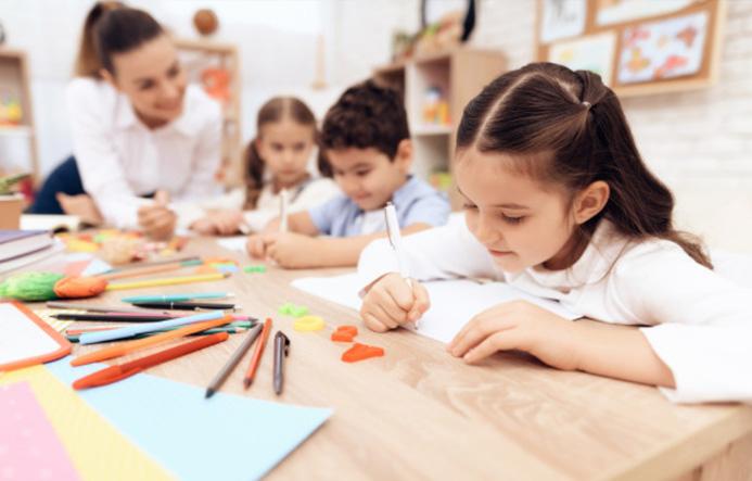 désinfection permanente dans les écoles